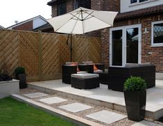 Garden Planning Low-maintenance garden: modern Garden by Christine Wilkie Garden Design - Here you will find photos of interior design ideas. Get inspired! Garden Design Ideas Uk, Back Garden Design, Modern Garden Design, Patio Design, Patio Garden Ideas Uk, Modern Patio, Garden Inspiration, Fence Garden, Landscape Design