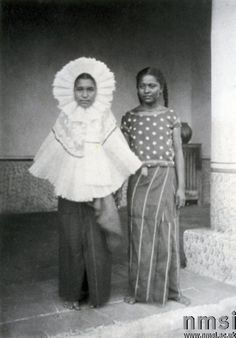A portrait of two Mexican women, 1896. Credit:Science Museum/Science & Society Picture Library