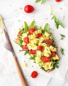 Healthy Egg Salad without mayo — A creamy and delicious egg salad recipe with fresh dill, chives, and Greek yogurt. Easy lunch recipe! @wellplated