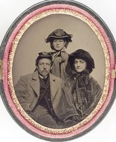 a wonderful cdv of a father in Signal Corps uniform, mother in a wide awake hat with veil, and a daughter in a veiled hat. Historical Artifacts, Historical Photos, Old Pictures, Old Photos, Civil War Books, Civil War Dress, War Image, Civil War Photos, Photographs Of People
