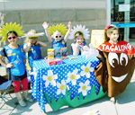 girl scout daisies take part in their first cookie booth