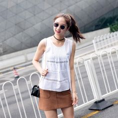 f63931751b Summer Tank Top For Women Lace White Sleeveless Shirt Round Neck Casual  Front Pleated Blusas Camisa