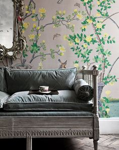 de Gournay's chinoiserie collection features 'Jardinieres Citrus Trees' wallpaper in full custom design colours on custom Mica metallic xuan paper, beautiful when displayed in a drawing room De Gournay Wallpaper, Chinoiserie Wallpaper, Chinoiserie Chic, Of Wallpaper, Scenic Wallpaper, Wallpaper Ideas, Amazing Wallpaper, Painted Wallpaper, Shabby Chic Tapete
