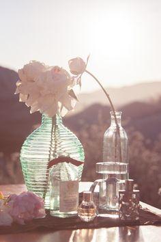 Wedding Decor: Simple Floral Arrangements // Photo by Adamo Imagery via Munaluchi Bridal