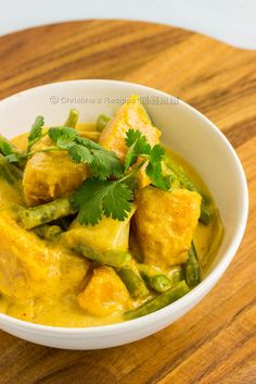 Pumpkin and green bean in red curry (easy peasy)