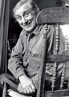 """Duirt mé leat go raibh mé breoite"" Spike Milligan Comedy Tv, Comedy Show, Bbc Home, Spike Milligan, British Comedy, National Treasure, Man Humor, Funny People, Comedians"
