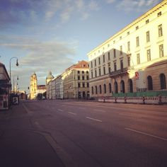 Ludwigstrasse am frühen Morgen
