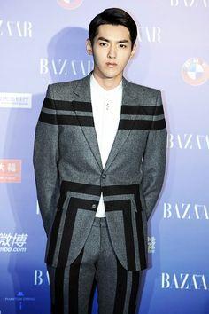 Kris ( Wu yifan )