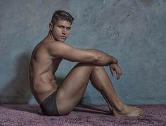 nudo Thai modelli