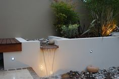 Contemporary Garden - Water Feature