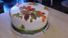 skok na głęboką wodę - pierwszy w życiu tort w stylu angielskim - przygotowałam go od A do Z samodzielnie i nie rozpłynął się, utrzymał konsystencję idealnie.
