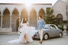 We cannot deal with the level of style and romance in this engagement photo!