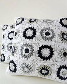 So here they are ❤ Mój debiut w tych kolorach, ale jak wiecie lubię wyzwania kolorystyczne #blackandwhite #crocheting #crochetlove #ilovecrochet #crochetdesign #designforkids #dladzieci #crochetaddict #crocheted #grannysquaretherapy #grannysquares #grannysquaresrock #sunburstgrannysquare #crochetpillow #pillowcover #poduszka #craftastherapy #instacrochet #crochetgirlgang #ręcznierobione #ourmakerlife #creativehappylife #naszydełku #szydełkowanie #rękodziełokwitnie #crochetlife…