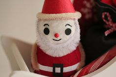pipe cleaner & felt Santa