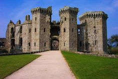 15 Fairytale Castles You Must See in Wales! - Hand Luggage Only - Travel, Food