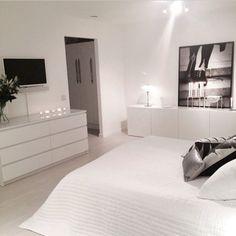 40 Top IKEA Bedroom Design 2017 Inspirationsvhomez Page 14 White Bedroom Set, Bedroom Sets, Home Bedroom, Master Bedroom, Trendy Bedroom, White Rooms, Master Suite, Modern Bedrooms, Bedroom Carpet