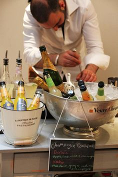CHAMPAGNE BAR WITH MIXERS