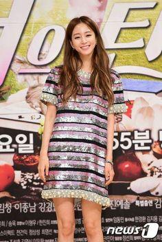 Han Ye Seul, Shirt Dress, T Shirt, Actors & Actresses, Casual, Dresses, Fashion, Supreme T Shirt, Vestidos