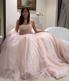 Oggi una sposa ha posato per me...che ne pensate?(Nicole).   Alessandro Tosetti.   www.tosettisposa.it #WeddingDress #matrimonio #tosetti#tosettisposa #matrimonio