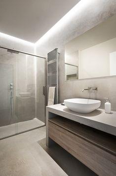 Double level apartment renovation in Siena , Siena, 2016 - CMT architetti Bathroom Design Luxury, Modern Bathroom Design, Ideas Baños, Washbasin Design, Apartment Renovation, Bathroom Trends, Bathroom Ideas, Marquise, Bathroom Furniture