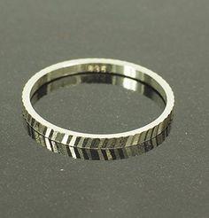 streitstones exklusiver Silber 835 Ring Lagerauflösung bis zu 70 % Rabatt streitstones http://www.amazon.de/dp/B00ROD87MO/ref=cm_sw_r_pi_dp_qxJ7ub05W5Q5F