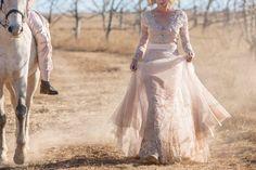 #proudlylubellos #weddingdresses Victorian, Bride, Wedding Dresses, Fashion, Wedding Bride, Bride Dresses, Moda, Bridal Gowns, Bridal