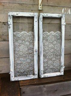leuk setje oude brocante ramen, per stuk 25 euro, samen 45 euro maritaswinkeltje http://www.woonenspul.nl/