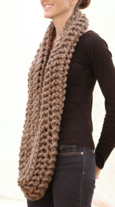 the openwork infinity scarf *Free pattern...need my crafty cousin to make this for me ;)