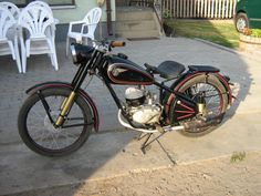 D Csepel 125 Ducati, Yamaha, Retro Motorcycle, Old Motorcycles, Old Bikes, Classic Bikes, Royal Enfield, Vintage Bikes, Hummer