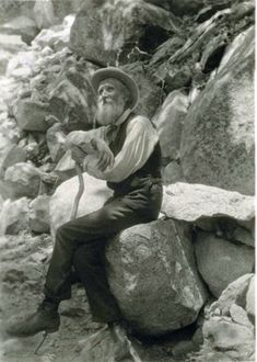 If ever I could go back in time, John Muir is the man I'd most like to meet.///John Muir, His wilderness preservation activism helped save Yosemite Valley and Sequoia National Park. Founder of the Sierra Club. Frases De John Muir, John Muir Quotes, All Nature, Nature Quotes, Forest Quotes, Nature Study, Personalidad Infj, Citation Nature, Calling Quotes