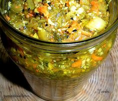 Torshi Makhloot - Persian Mixed Vegetable Pickle - ترشی مخلوط Torshi (pickled vegetables) are the perfect tangy, crunchy and flavorful pick - Iranian Cuisine, Iranian Food, Arabic Food, Arabic Dessert, Arabic Sweets, Eastern Cuisine, Mixed Vegetables, Pumpkin Soup, Middle Eastern Recipes