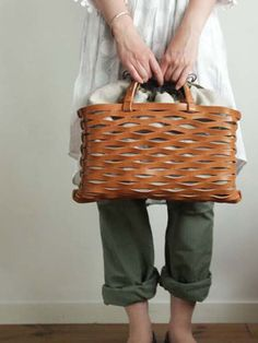 leather basket bag. so awesome.