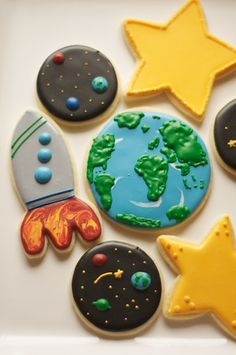 www.SoonerSugar.com, Planet cookies, Moon cookies, star cookies, earth cookies, rocket cookies, sooner sugar sugar cookies