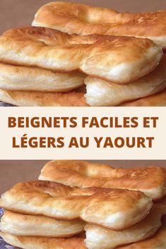 Recette beignets faciles et légers avec une pâte au yaourt qui apportera une texture super moelleuse. Un délicieux beignet saupoudré de sucre glace.  Ces beignets sont aussi légers, moelleux et succulents que la version soufflée. En plus le yaourt les apporte une particularité que seules vos papilles pourront vous décrire. Desserts With Biscuits, Cookie Desserts, Dessert Recipes, Moussaka, Donut Recipes, Baking Recipes, Algerian Recipes, Haitian Food Recipes, Naan