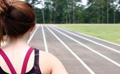 Egy jól felépített edzésnaptár lehet a siker kulcsa, pláne, ha futni szeretnénk. Fontos, hogy ne essünk azonnal saját testünknek, legyünk türelmesek nem csupán fizikumunkkal, de mentális állapotunkkal is.