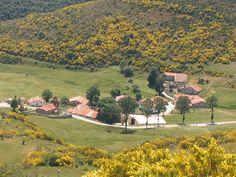 Último pueblo de Palencia, camino de la villa de Potes, y paso hacia los valles cántabros de Liébana y Polaciones.