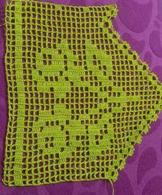 Easy Knitting Patterns, Knitting Stitches, Crochet Books, Crochet Top, Crochet Table Runner Pattern, Fillet Crochet, Crochet Christmas Ornaments, Hand Applique, Crochet Borders