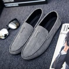 PADEGAO Classics Spring Autumm Leisure Comfy Hollow Out Men Loafers Solid Concise Flat Driving Shoes Retro Punk Slip On Shoes Outfit Accessories From Touchy Style Lofers Shoes, Slip On Shoes, Dress Shoes, Best Shoes For Men, Formal Shoes For Men, Suede Loafers, Loafers Men, Mocassins Luxe, Casual Shoes