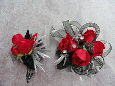 Prom Corsage like Black Corsage, Red Corsages, Prom Corsage And Boutonniere, Flower Corsage, Corsage Wedding, Wrist Corsage, Boutonnieres, Bracelet Corsage, Prom Flowers