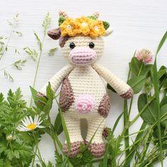 Amigurumi Cuddle Me Cow - patrón de ganchillo libre