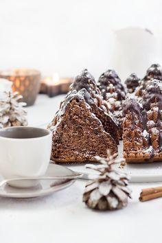 Weihnachtlicher Rotweinkuchen