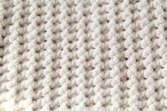 Gehaakt child dekentje met stoere structuur (free of charge patroon) Crochet Afghans, Crochet Afghan Stitch, Crochet Wool, Baby Blanket Crochet, Diy Crochet, Crochet Stitches, Afghan Crochet Patterns, Baby Patterns, Diy Blanket Scarf