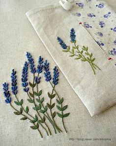 Wonderful Ribbon Embroidery Flowers by Hand Ideas. Enchanting Ribbon Embroidery Flowers by Hand Ideas. Floral Embroidery Patterns, Embroidery Stitches Tutorial, Embroidery Flowers Pattern, Simple Embroidery, Hand Embroidery Designs, Embroidery Kits, Ribbon Embroidery, Crewel Embroidery, Embroidery Supplies
