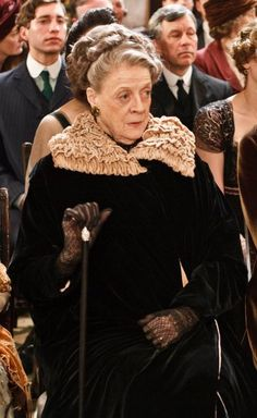 Dame Maggie Smith as Violet Crawley, Dowager Countess of Grantham - Downton Abbey. Matthew Crawley, Downton Abbey Costumes, Downton Abbey Fashion, Sophia Loren, Jane Austen, Don Corleone, Lady Violet, Dowager Countess, Lady Mary