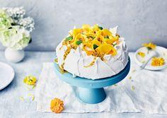 Pääsiäispavlova Pavlova, Mango, Recipies, Desserts, Food, Recipes, Tailgate Desserts, Meal, Rezepte