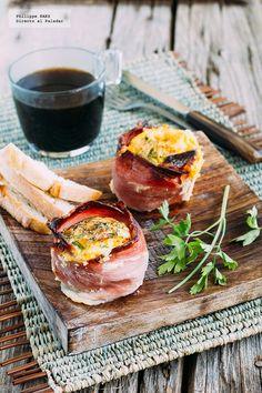 Receta de Huevos en cazuela de jamón serrano. Receta con fotografías del paso a paso y recomendaciones de degustación. Recetas para el desayuno