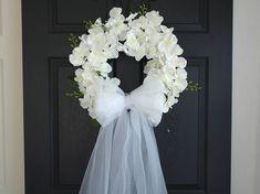 krans, bruiloft bruiloft decor voorjaar zomer krans bruiloft kransen voor voordeur krans decoraties decor bloemen eerste communie Deze aanbieding is voor mooie bruiloft voordeur decor. De perfecte voordeur of wand decor, bruiloft decoraties. Deze decoratie is gemaakt met kunstmatige witte