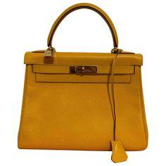 Never usedMY Original box Source by vestiaireco bag hermes Hermes Handbags, Leather Handbags, Yellow Fashion, Yellow Leather, Mellow Yellow, Hermes Kelly, Luxury Consignment, Shoulder Bag, Box