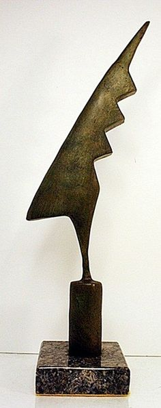 Le coq noir - Brancusi Outdoor Sculpture, Modern Sculpture, Abstract Sculpture, Wood Sculpture, Constantin Brancusi, Coq, Installation Art, Sculpting, Glass Art