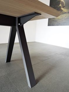 Modern Office Table, Office Table Design, Dining Room Design, Kitchen Table Bench, Dining Table Legs, Wood Table, Metal Furniture, Cool Furniture, Furniture Design